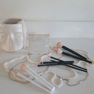 CROWN Makeup Beauty 9 Bundle